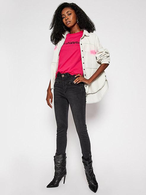 Voici les dernières tendances Pantalons et jeans