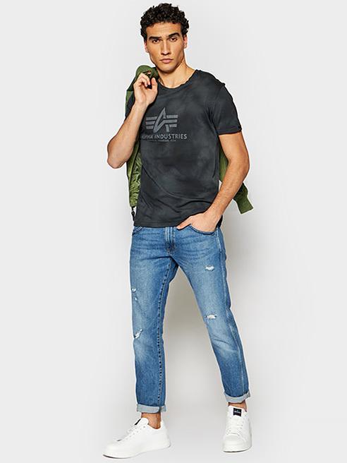 Αυτό φοριέται T-shirts και polo