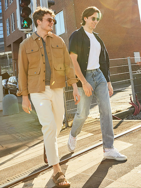 Διάλεξε τα urban αθλητικά ρούχα και τα κλασικά casual μοντέλα. Jack&Jones