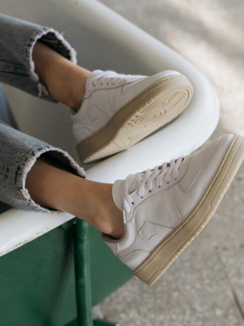 Frootwear Découvrez des chaussures fabriquées à partir de matériaux de fruits recyclés