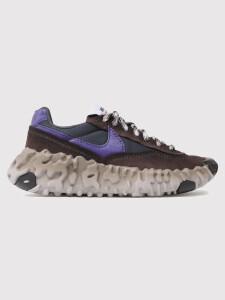 Sneakerși