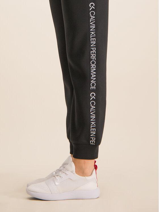 Calvin Klein Performance Calvin Klein Performance Spodnie dresowe Logo Joggers 00GWH9P629 Czarny Regular Fit