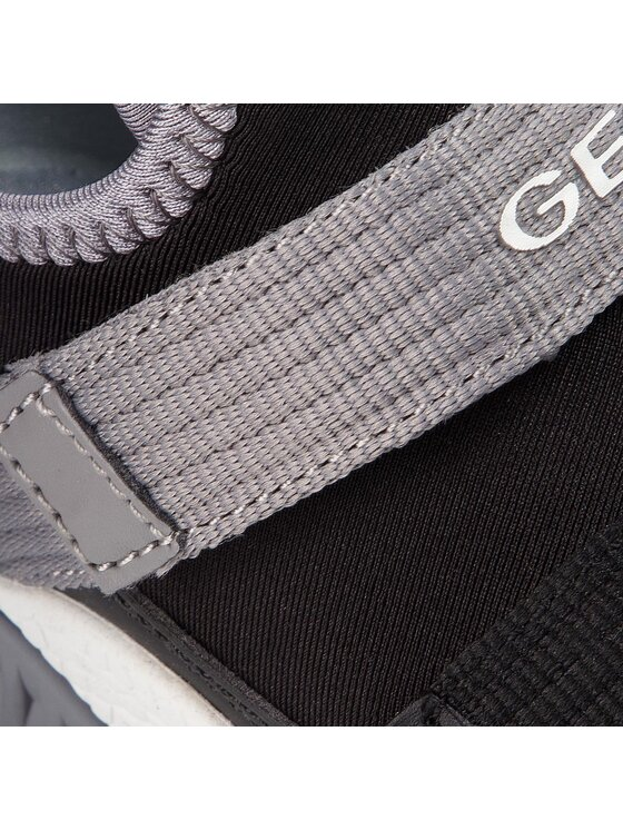 Geox Geox Sneakersy J Sveth B. C J846PC 0AU15 C0017 S Černá