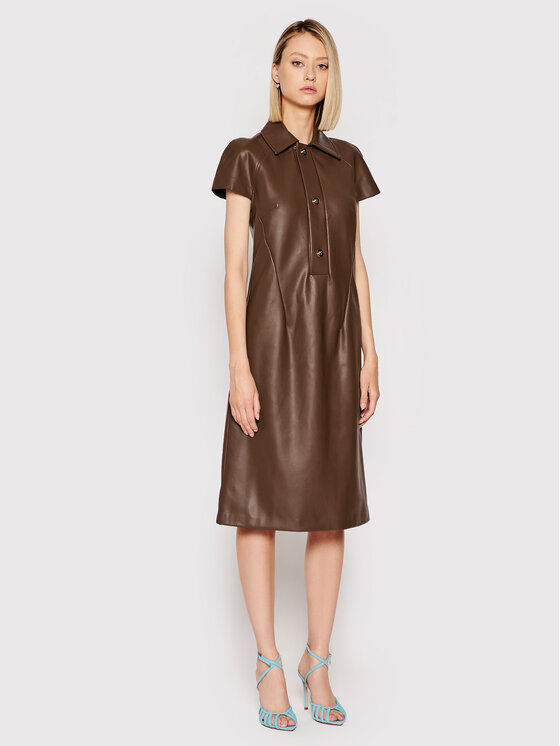 Liviana Conti Dirbtinės odos suknelė F1WT11 Ruda Regular Fit
