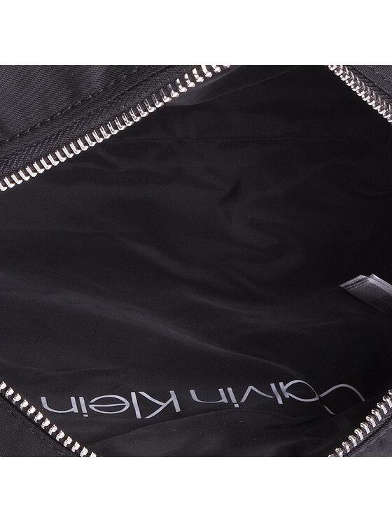 Calvin Klein Calvin Klein Kosmetyczka Primary Cosmetic Bag K60K605677 Czarny