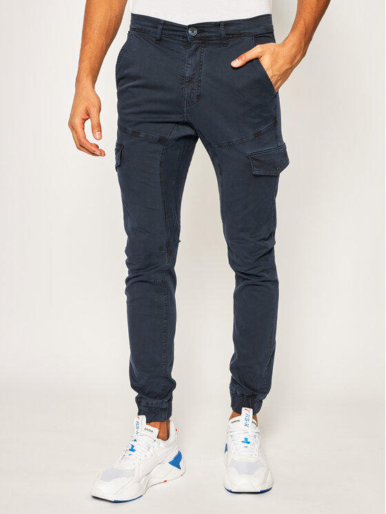 Guess Guess Текстилни панталони New Kombat M02B17 WCNZ2 Тъмносин Regular Fit