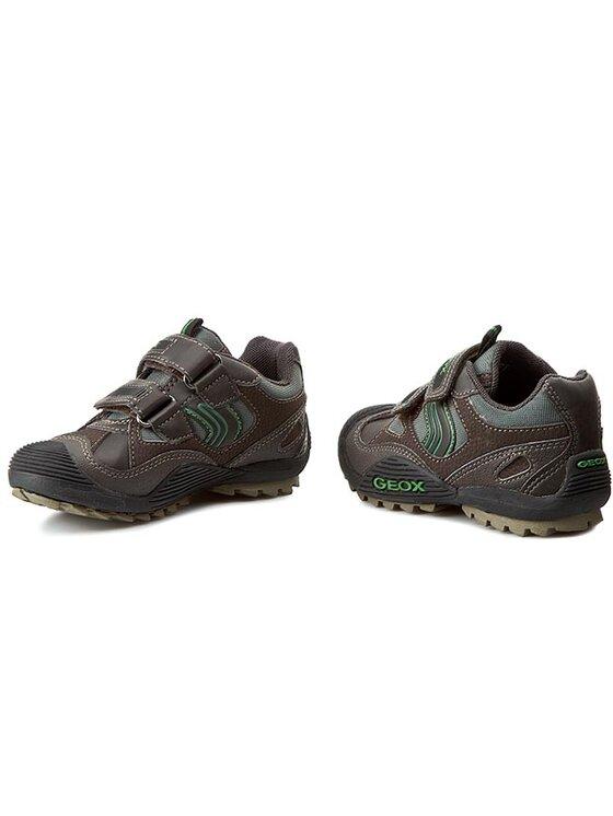 Geox Geox Κλειστά παπούτσια J Savage C J4424C 011BC C6449 Καφέ