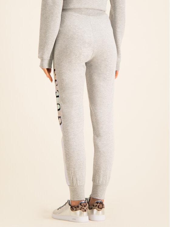 Guess Guess Teplákové nohavice O94A27 FL01I Sivá Regular Fit