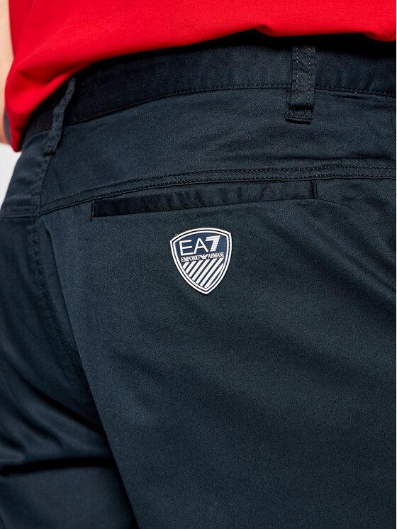 EA7 Emporio Armani EA7 Emporio Armani Pantalon scurți din material 2095380 3GPS12 PN71Z Bleumarin Regular Fit