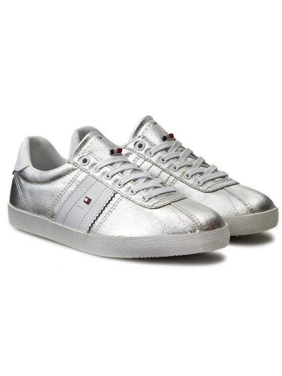 Tommy Hilfiger Tommy Hilfiger Laisvalaikio batai Lizzie 1D1 FW0FW00417 Sidabrinė