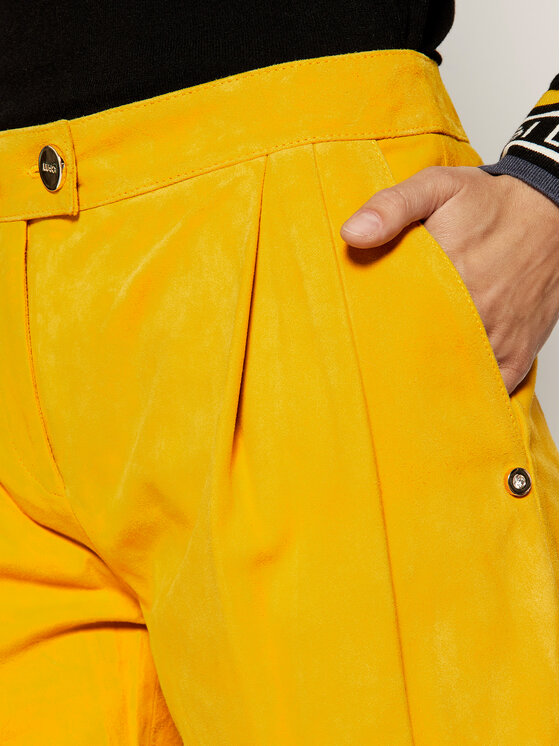 Liu Jo Liu Jo Szorty skórzane C19189 P0338 Żółty Regular Fit