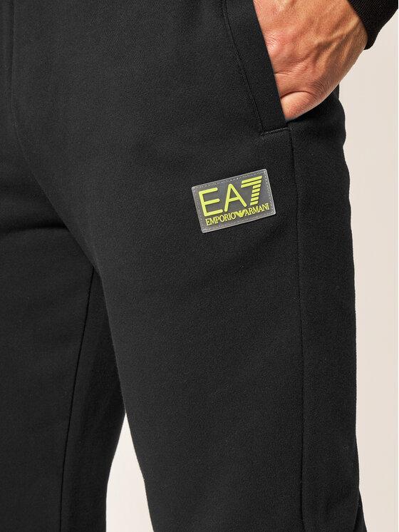 EA7 Emporio Armani EA7 Emporio Armani Spodnie dresowe 6HPP62 PJ07Z 1200 Czarny Regular Fit