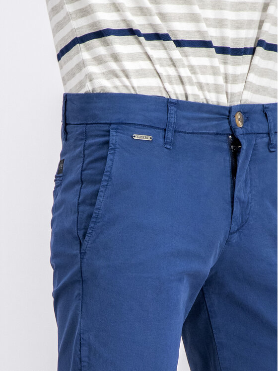 Guess Guess Pantalon scurți din material M92D18 WBFE0 Bleumarin Regular Fit