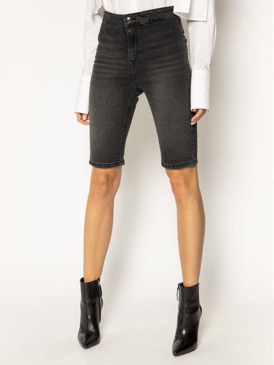 Guess Guess Džínsové šortky Pedal W0GD20 D3Y22 Čierna Slim Fit