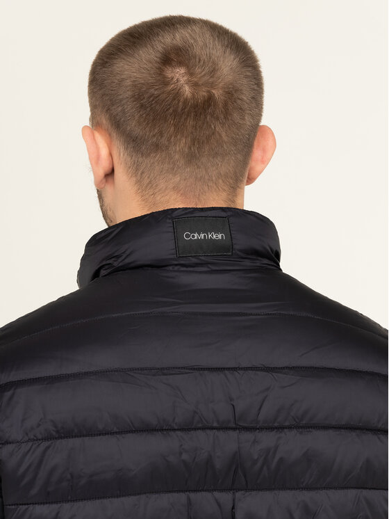 Calvin Klein Calvin Klein Pūkinė striukė K10K105128 Juoda Regular Fit