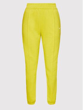 Nike Nike Sportinės kelnės Essential BV4089 Žalia Loose Fit