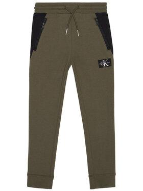 Calvin Klein Jeans Calvin Klein Jeans Spodnie dresowe Colour Block IB0IB00598 Zielony Regular Fit