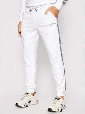 Calvin Klein Calvin Klein Sportinės kelnės Essential Logo Tape K10K107316 Balta Regular Fit