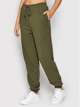NA-KD NA-KD Spodnie dresowe Good Will Printed 1100-004454-0086-003 Zielony Relaxed Fit
