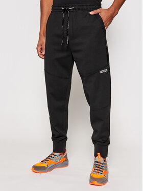 Calvin Klein Jeans Calvin Klein Jeans Teplákové nohavice J30J317371 Čierna Relaxed Fit