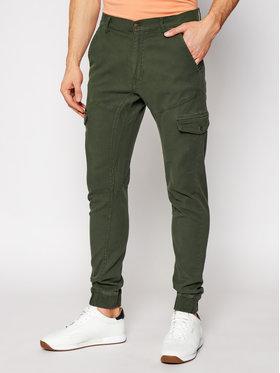 Guess Guess Jogger kelnės New Kombat M1RB17 WDP31 Žalia Slim Fit
