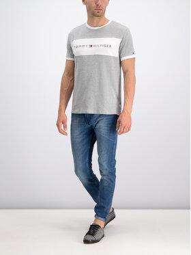 TOMMY HILFIGER TOMMY HILFIGER T-Shirt Logo Flag UM0UM01170 Šedá Regular Fit