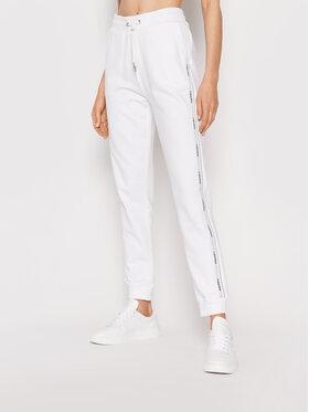 Calvin Klein Calvin Klein Spodnie dresowe Logo Tape K20K203116 Biały Slim Fit