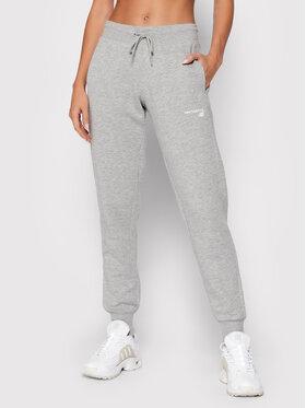 New Balance New Balance Spodnie dresowe Classic Core Fleece WP03805 Szary Athletic Fit