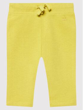 United Colors Of Benetton United Colors Of Benetton Spodnie dresowe 3J70I0046 Żółty Regular Fit