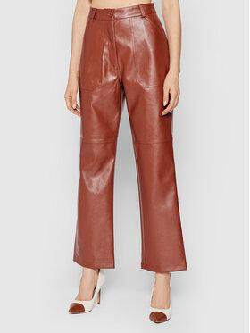 NA-KD NA-KD Панталони от имитация на кожа 1018-007271-0017-581 Кафяв Straight Leg