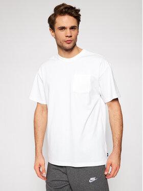 Nike Nike Тишърт Sportswear Essential DB3249 Бял Loose Fit