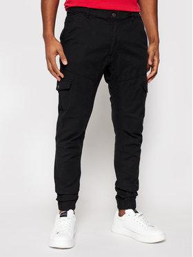 Guess Guess Jogger kelnės New Kombat M1RB17 WDP31 Juoda Slim Fit