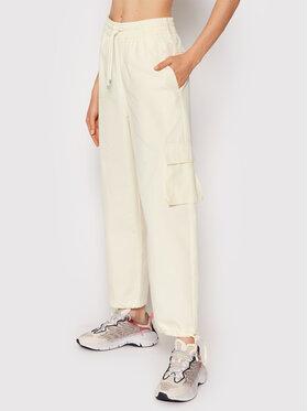 Nike Nike Текстилни панталони Sportswear Icon Clash CZ9330 Жълт Regular Fit
