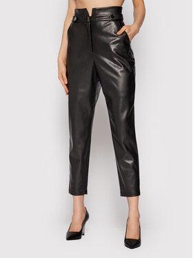 Fracomina Fracomina Панталони от имитация на кожа FR21WVD006O42001 Черен Regular Fit