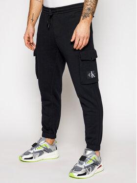 Calvin Klein Jeans Calvin Klein Jeans Teplákové nohavice J30J318271 Čierna Regular Fit