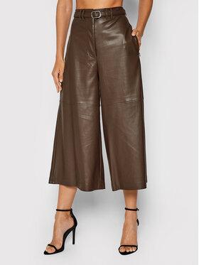 Guess Guess Pantalon en simili cuir W1BB15 KAWP0 Marron Relaxed Fit