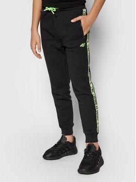 4F 4F Teplákové kalhoty HJL21-JSPMD002A Černá Regular Fit