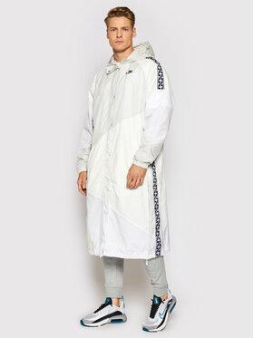 Nike Nike Bunda pro přechodné období Taped Woven AR4943 Bílá Regular Fit