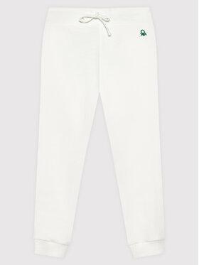 United Colors Of Benetton United Colors Of Benetton Teplákové kalhoty 3J68I0017 Bílá Regular Fit