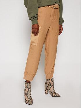 Guess Guess Pantalon en tissu W0BB84 WDEL0 Marron Relaxed Fit