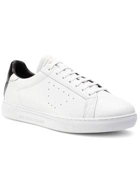 Emporio Armani Emporio Armani Sneakersy X4X316 XM500 N023 Biela