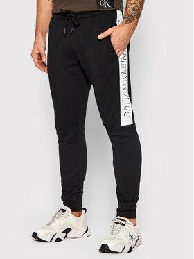 Calvin Klein Jeans Calvin Klein Jeans Teplákové nohavice J30J318590 Čierna Regular Fit