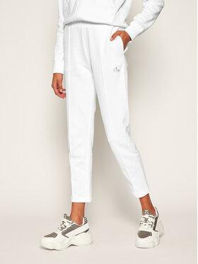 Calvin Klein Jeans Calvin Klein Jeans Pantaloni trening J20J214178 Alb Slim Fit