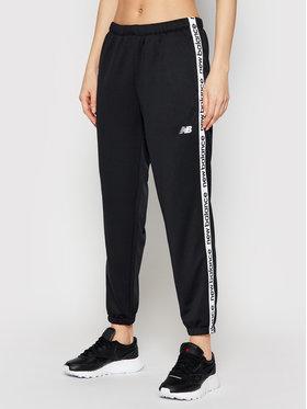 New Balance New Balance Spodnie dresowe Rlntls NBWP11185 Czarny Regular Fit