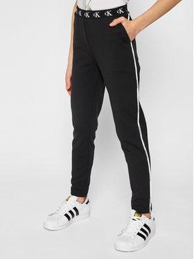 Calvin Klein Jeans Calvin Klein Jeans Teplákové kalhoty Monogram Str Slim IG0IG00829 Černá Slim Fit
