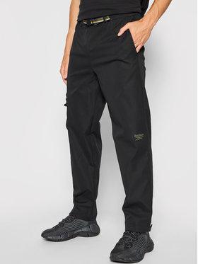 Reebok Reebok Pantaloni din material Classics Camping GS4190 Negru Regular Fit