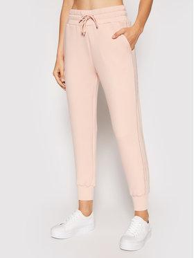 Guess Guess Teplákové kalhoty Janet W1YB49 KAMN2 Růžová Regular Fit