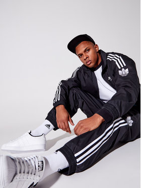 adidas adidas Pulóver adicolor 3D Trefoil 3-Stripes GN3535 Fekete Regular Fit